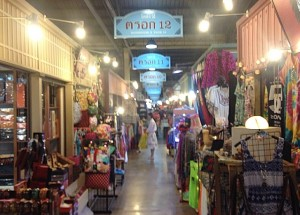 Shopping at Asiatique Market in Bangkok