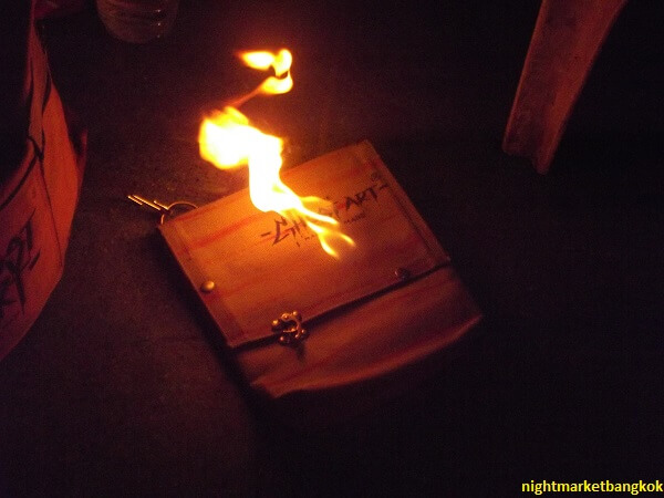Selling Bag that can catch on fire at Saphan Phut Night Market
