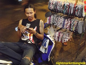 Chilling and working at Saphan Phut Night Market