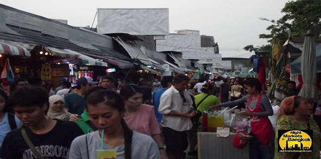 The greatest weekend market in the world is what some people call the Chatuchak Weekend Market