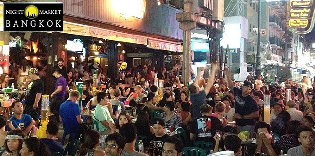 Khaosan Road Market is the ultimate market to party and shop for first tiem visitors to Bangkok