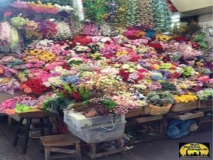 Lots of flowers to use for decoration at Sampeng Market