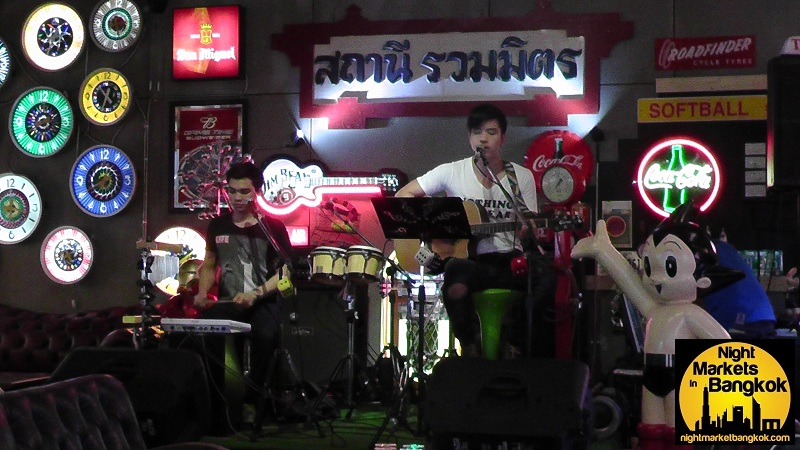 Band at JJ Green Night MArket BAngkok