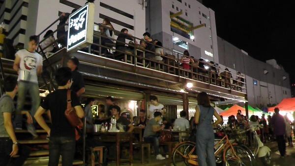 2 story Bar at Train Market Ratchada