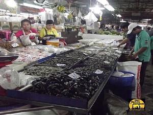 Mussels at Bangkapi Market